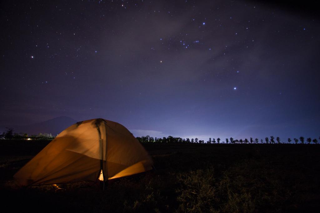 15623526747_4e384387a3_b_camping